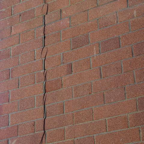 Structural crack
