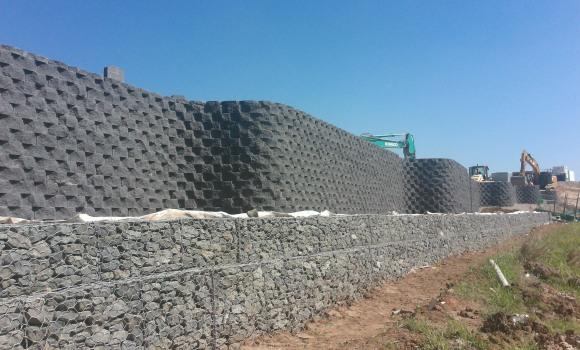 Horsley Drive Business Park, retaining wall